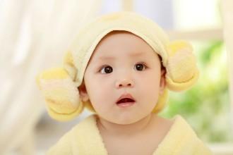 """母婴护理培训中心提醒:宝宝""""春捂""""四要"""